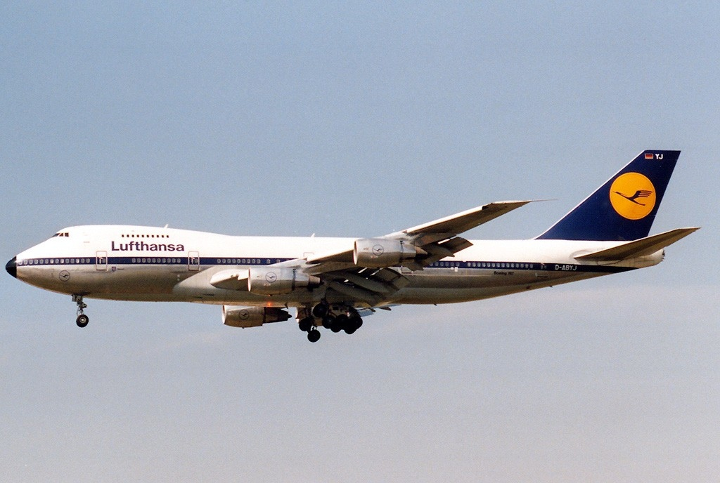 A Lufthansa Boeing 747 in flight
